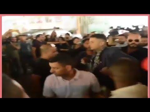 شاهد أحمد الفيشاوي ينفعل على الصحافيين ويضربهم